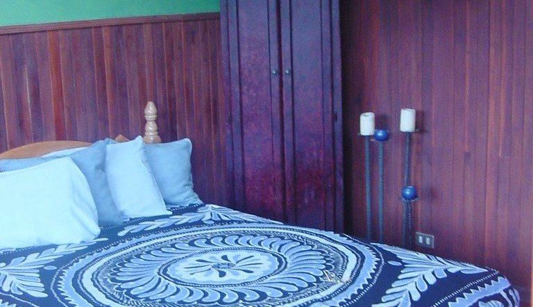 orosivalleyhotels_guesthouseroom4crop