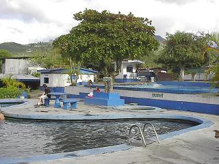 spanishschoolcostarica_ttd_poolpatio2